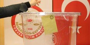 32 ilde oy verme saatleri değişti