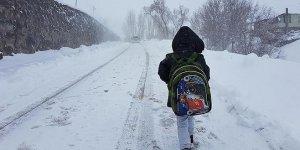 Bursa'nın bazı ilçelerinde eğitime kar engeli