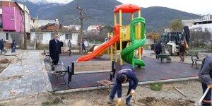 Mahalleye çocuk parkı ve basketbol sahası