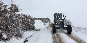 Karacabey'de karla yoğun mücadele