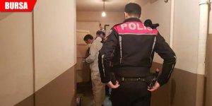 Polis eve girdiğinde korkunç manzarayla karşılaştı!