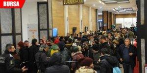 2 bin kişi 'dönüş' kuyruğuna girdi
