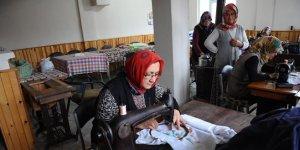 Köy kadınları bindallı yapmayı öğreniyorlar