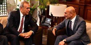 Tunç Soyer'den Aziz Kocaoğlu'na ziyaret
