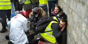 Paris sokakları karıştı! Göstericinin kolu koptu