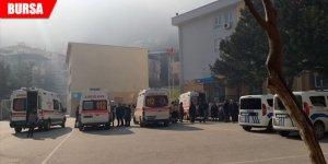 Yapıştırıcı şakası 25 öğrenciyi hastanelik etti