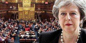 Parlamento'dan May'e destek! Brexit ertelendi