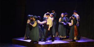 'Sefiller' müzikali Bursa'da sahnelendi