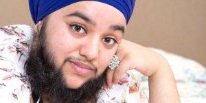 Genç kadın, sakalları yüzünden ölüm tehdidi alıyor!
