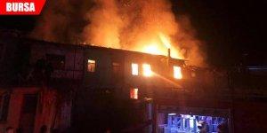 İki ev alev alev yandı!