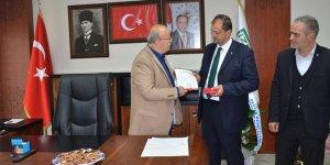 Başkan Usta mazbatasını aldı