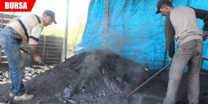 Ekmekleri mangal kömüründen