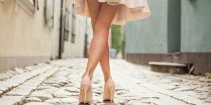 Bacaklardaki batıklardan kurtulmanın 5 doğal yolu!