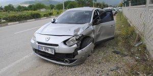 İnegöl çevre yolunda kaza: 2 yaralı
