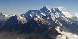 Everest'in zirvesine 23. kez ulaştı