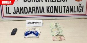 Uyuşturucu tacirleri, jandarmadan kaçamadı: 3 gözaltı