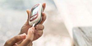 Cilde yerleştirilen sensörler sürekli şeker ölçümü yapılmasını sağlıyor