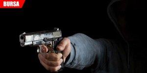 Husumetlisinin tabancayla vurduğu genç ağır yaralandı