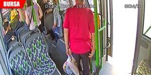 Otobüste fenalaşan adamı hastaneye yetiştirdi