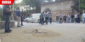 Tarihi caminin bahçesinde doğalgaz borusu patladı