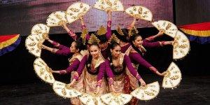 Uluslararası halk dansı topluluğu Bursalılarla buluştu