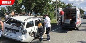 TIR, otomobile çarptı: 1 yaralı