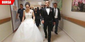 Vefalı çift, düğün sonrası soluğu hastanede aldı
