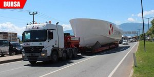 Dev tekne karadan götürüldü