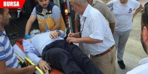 Yolun karşısına geçmek isterken otomobilin çarpmasıyla ağır yaralandı