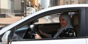 Ezber bozuldu: Kadınlar araç kullanabilecek, pasaport alabilecek