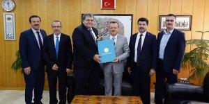 Unisversite'den Kıbrıs'a akademisyen desteği