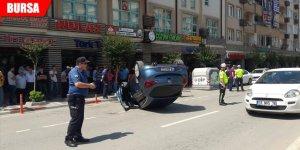 İnegöl'de otomobil devrildi: 1 yaralı