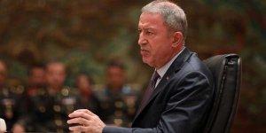 Bakan Akar'dan '5 general istifa etti' iddiasıyla ilgili açıklama