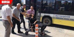 Otobüs şoförü, fenalaşan genç kızı hastaneye yetiştirdi