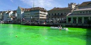 Zürih'te nehir yeşile boyandı