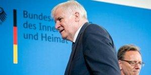 Almanya'dan Akdeniz'de kurtarılan göçmenlerin yüzde 25'ini alma sözü