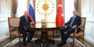Üçlü zirve öncesi Putin ile baş başa görüşme