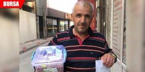 Çerez sattı, gelirini Mehmetçik Vakfı'na bağışladı