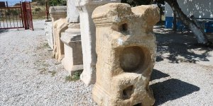Parion'da bin 900 yıllık 'anıt mezar kitabesi' bulundu