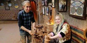 Kapadokya'daçömlek yaptı
