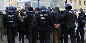 Türk uyruklu 2kişi gözaltında