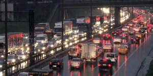 İstanbullular dikkat! Trafik kilit...