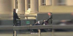 Londra Köprüsü'nde bıçaklı saldırı: 2 kişi hayatını kaybetti
