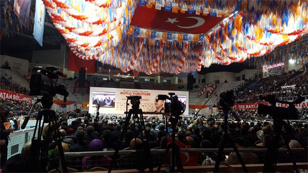 1.-yazi-icin-ak-parti-il-kongresi.jpg