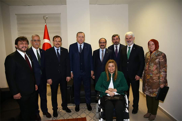 1.-yazi-icin-cumhurbaskani-recep-tayyip-erdogan-ve-ak-parti-bursa-milletvekilleri.jpg