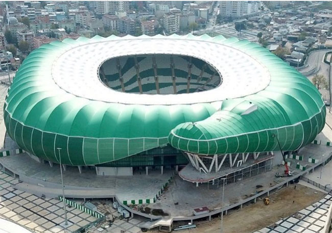 1.-yazi-icin-timsah-arena.jpg