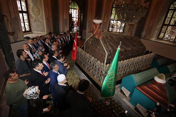 2.-yazi-icin-ak-parti-adaylari-osman-gazi-ve-orhan-gazi-turbeleri.png