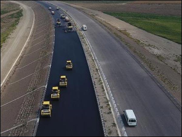 2.-yazi-icin-otoyol-karacabey-susurluk-bolumu-asfalt-calismasi.jpg