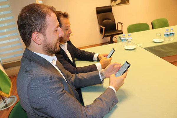 4.-yazi-icin-bursa-milletvekili-ahmet-kilic-ve-bursaspor-baskani-mesut-mestan-sms-kampanyasi.jpg