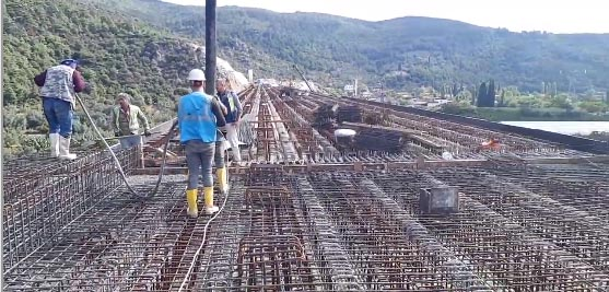 4.-yazi-icin-yuksek-standartli-demiryolu-projesi,-bursa-treni,-hizli-tren,-demirtas-viyadugu-beton-dokme-calismasi.png